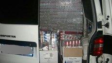 Обыск дипломатического авто, перевозившего контрабандные сигареты