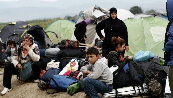 Греческие власти начали поэтапную эвакуацию мигрантов из лагеря близ городка Идомени