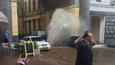 Прорыв трубы в центре Киева