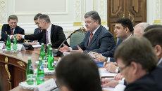 Петр п Порошенко на заседании Национального совета реформ