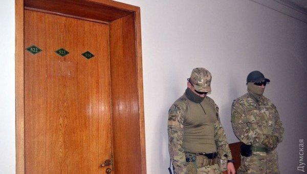Обыск в офисе Нишнианидзе. Архивное фото
