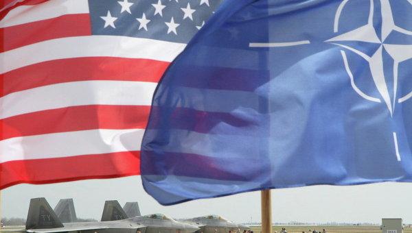 Флаги НАТО и США