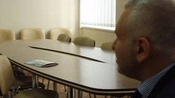 Фейгин объяснил, почему Савченко в Борисполе была босиком. Видео
