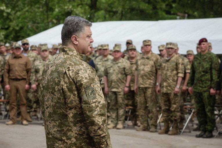 Петр Порошенко вручил государственные награды сержантам и старшинам Вооруженных Сил Украины