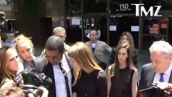 Суд запретил Джонни Деппу приближаться к его супруге