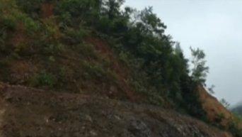 Кадры ужасного оползня в Китае, похоронившего заживо 6 человек. Видео