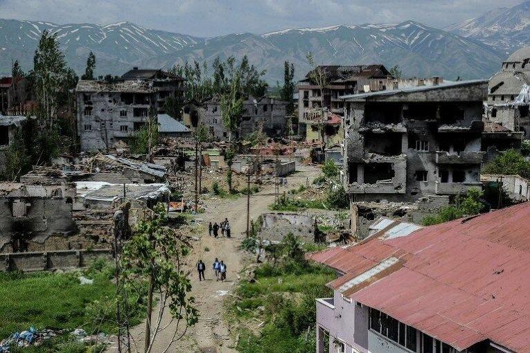 Разрушения на юго-востоке Турции после боев правительственной армии с курдами