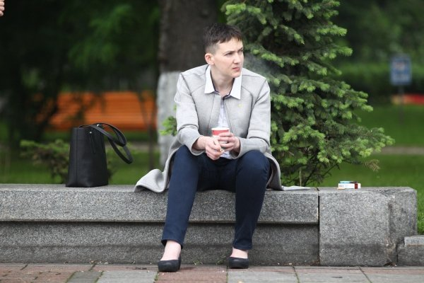 Надежда Савченко под Радой