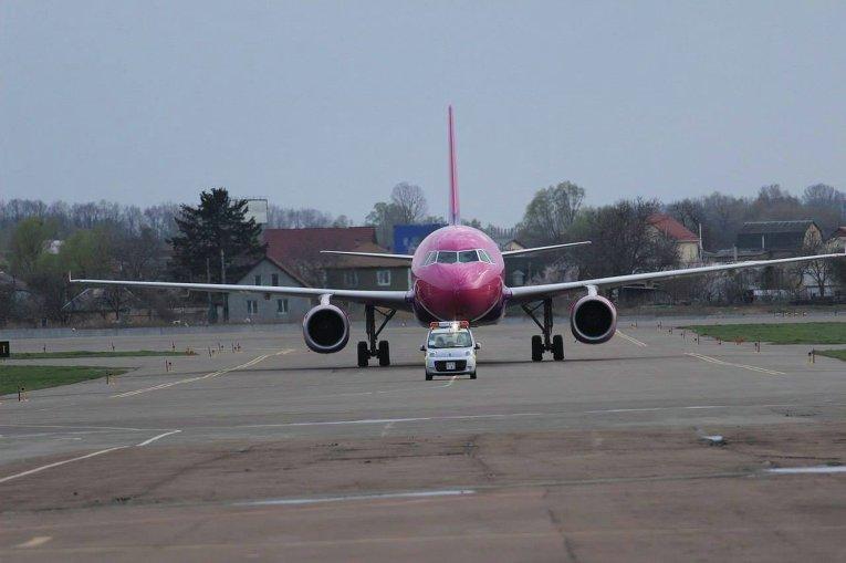 Минирование самолета в аэропорту Киев