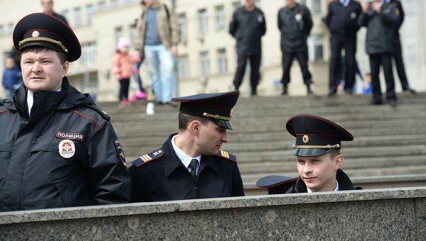 Сотрудники полиции в РФ. Архивное фото