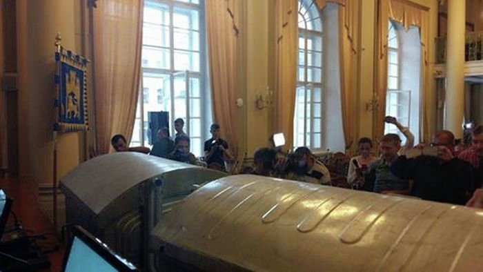 Мусорные баки в зале заседания Львовского горсовета