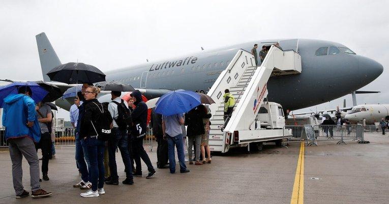 Airbus A310-304 MRTT, представляющий ВВС Германии