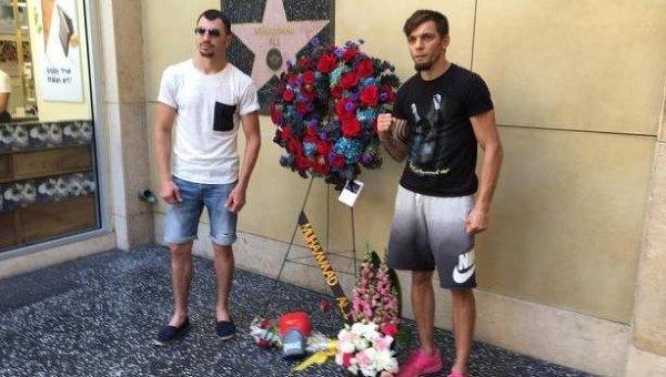 Украинские боксеры Виктор Постол и Иван Редкач (слева направо)