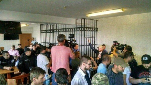 В одесском суде забаррикадировались 50 человек