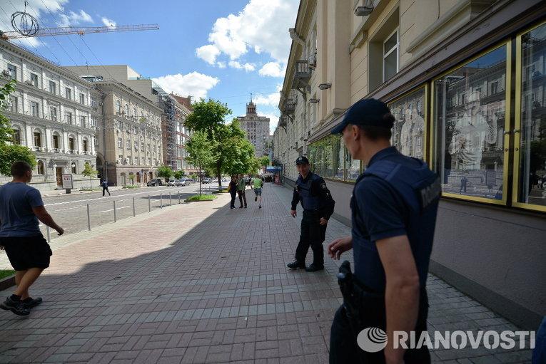 Столкновения полицейских и противников ЛГБТ-марша в Киеве