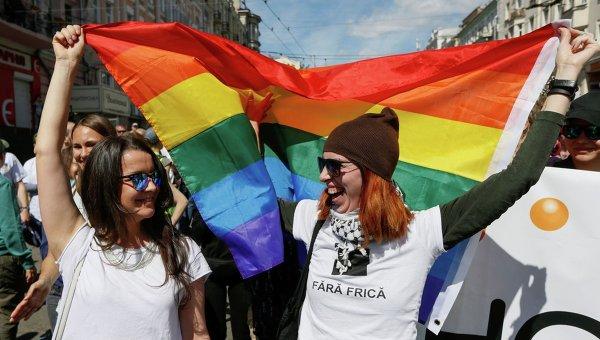 Активисты вмасках сорвали показ фильма обЛГБТ-сообществе вЧерновцах