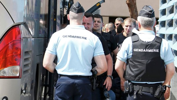 Задержание российских болельщиков во Франции на EURO-2016