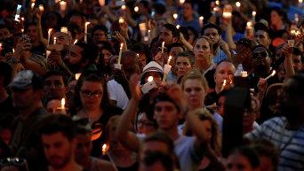 В городах США проходят панихиды по жертвам расстрела в Орландо
