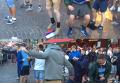 Британские фанаты растоптали флаг РФ в Лилле. Видео