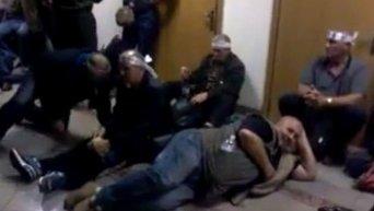Шахтеры-инвалиды провели ночь в здании Минсоцполитики