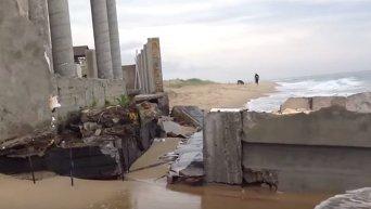 Скандальную дачу Литвина смыло в море. Видео