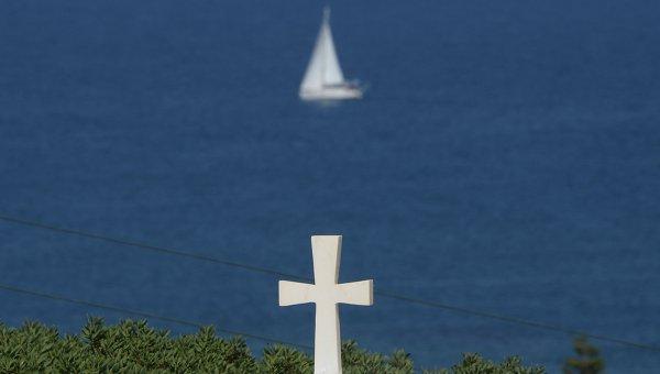 Вид на Критское море с берега острова Крит