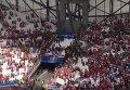 Драка венгерских фанатов с полицией на стадионе после матча на EURO-2016. Видео