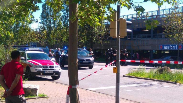 В германском городе Фирнхайм вооруженный мужчина открыл стрельбу