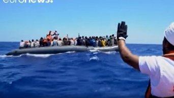 Мигранты: когда жизнь висит на волоске. Видео