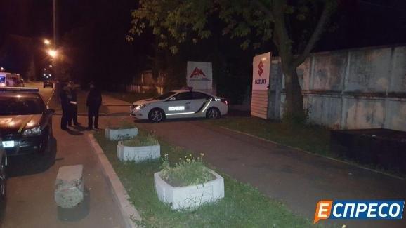 На месте стрельбы в Святошинском районе Киева в ночь на 24 июня 2016 года