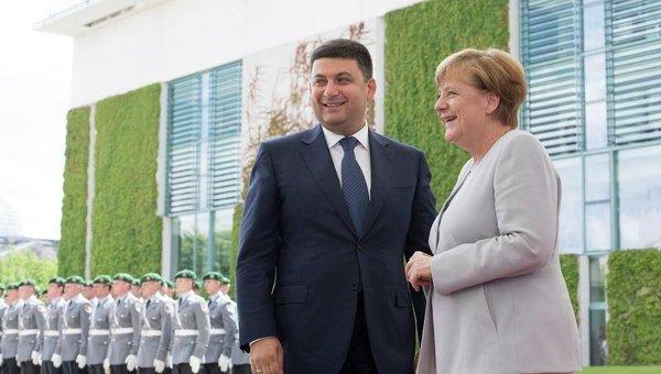 Гройсман вГермании сравнил безвизовый режим сБерлинской стеной