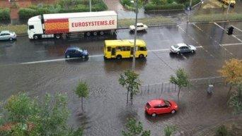 В Киеве затопило Троещину