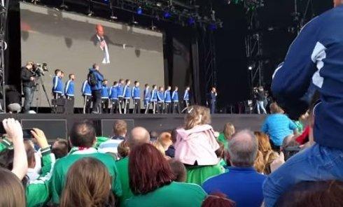 В Северной Ирландии празднуют выступление своей сборной на EURO-2016. Видео