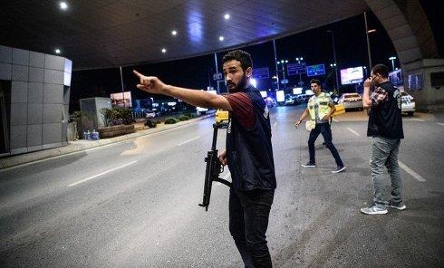 Последствия взрыва в аэропорту Ататюрка в Стамбуле 28 июня 2016 года