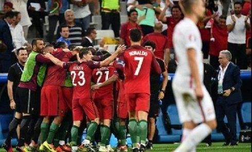 Матч между сборной Польши и сборной Португалии