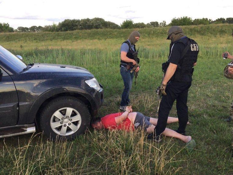 Задержания чиновников, прикрывающих добычу янтаря в Ровненской области