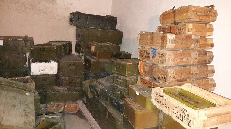 На базе полка Днепр-1 нашли рекордное количество нелегального оружия из АТО