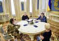 Президент Петр Порошенко встретился с полковником Вооруженных сил Иваном Безъязыковым