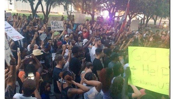 На месте беспорядков в Далласе