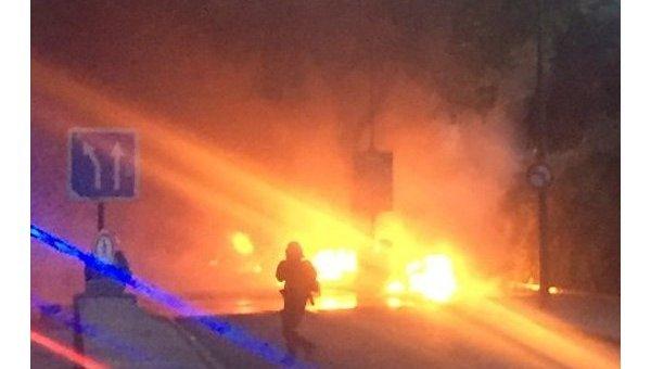Хулиганы подожгли скутеры у фан-зоны в Париже
