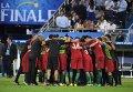 Игроки сборной Португалии после окончания финального матча чемпионата Европы по футболу.