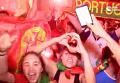 Ликующие португальцы и расстроенные французы в Париже. Видео