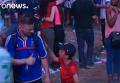 Маленький португалец трогательно успокоил француза после финала EURO-2016. Видео