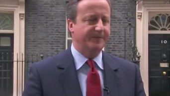 Кэмерон после заявления об отставке спел на прощанье. Видео