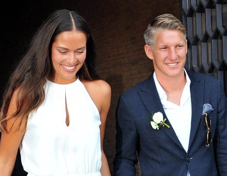 Немецкий футболист Швайнштайгер женился на теннисистке Иванович