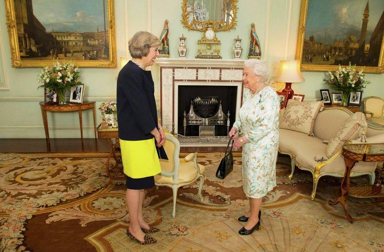 Тереза Мэй официально стала премьер-министром Англии
