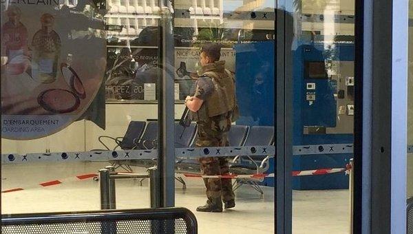 В аэропорту Ниццы проводится эвакуация