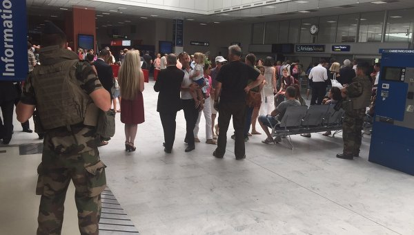 Эвакуация в аэропорту Ниццы