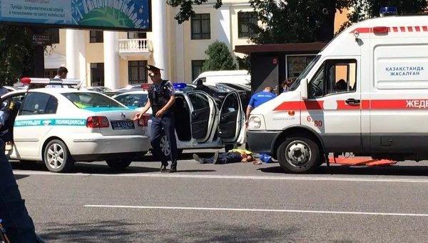 Поменьшей мере 5 человек пострадали в стрельбе уНикольского рынка вАлматы