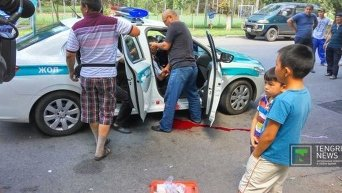 Атака на полицейское управление в центре Алма-Аты